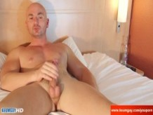 Delivery guy (hetero) gets wanked his cock by a client in spite of him !